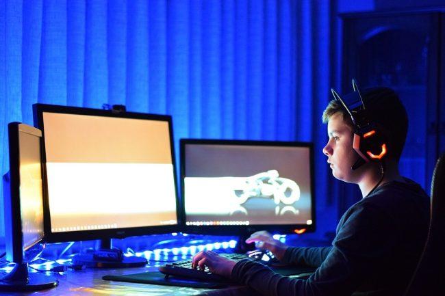 Komputer do gier na raty w sklepie czy pożyczka przed zakupem?