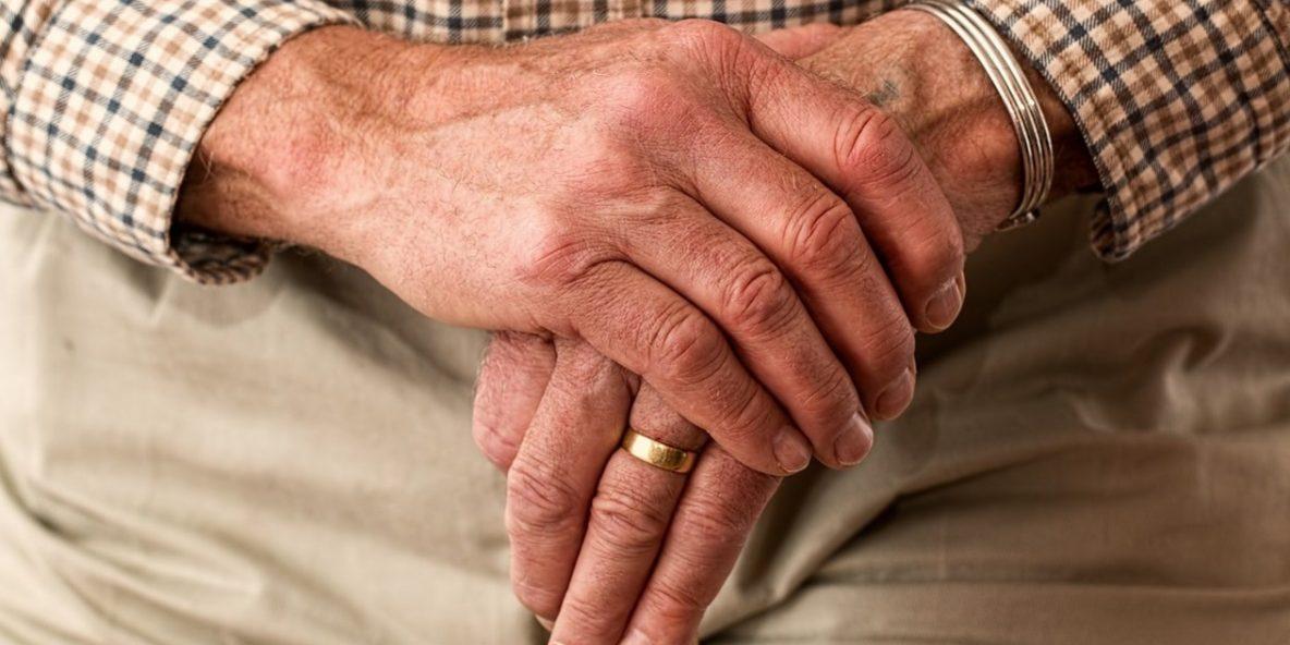 Chwilówki online dla emerytów- gdzie i jakie dokumenty?