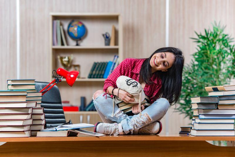 Pożyczka w weekend- na jakich warunkach i kto dostanie?