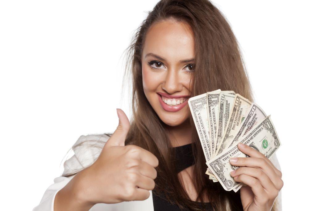 Wcześniejsza spłata pożyczki zawsze działa na korzyść, nie tylko odszykujesz część kosztów, ale jesteś wolny od zobowiązania.