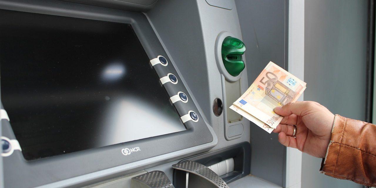 Co robić, jeśli bankomat nie wypłacił pieniędzy