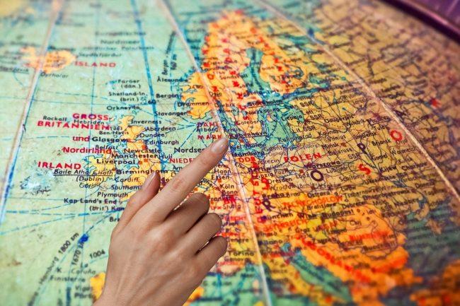 Wyjazd za granicę do pracy, skąd wziąć pieniądze na start